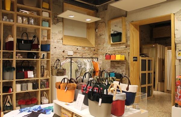 Fare shopping a Venezia tra botteghe tipiche e negozi famosi