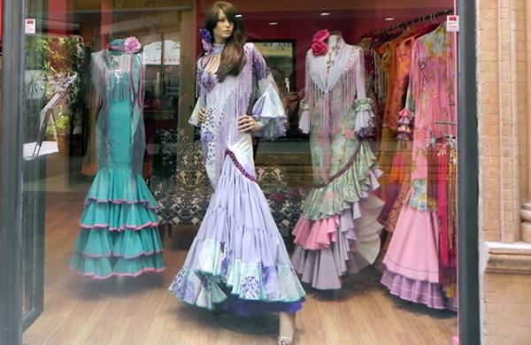 Moda flamenca en Sevilla:  Ángeles Verano