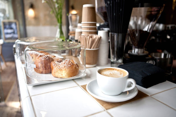 cafe-coutume-paris-600x400