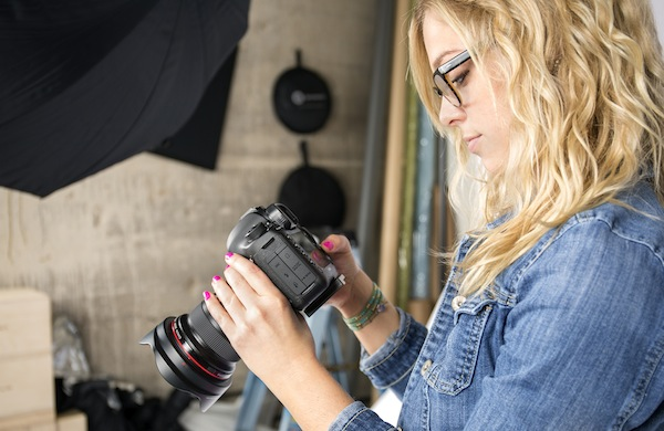 How Pro Photographers Capture Fast-Moving Action