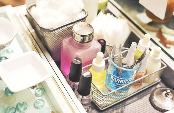 a-beauty-routine-for-would-be-hand-models_inline_600c390