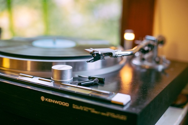 Scott-McNiece-Designs-the-Soundtrack-of-Your-Life-If-You-Live-at-Trencherman-turntable_600c400