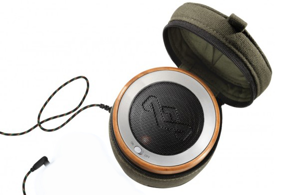 seven-items-that-make-a-day-at-the-beach-way-better_speaker_600c390