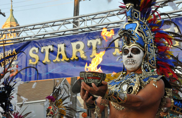 Celebrate-Day-of-the-Dead,-Chicago-Style_5k_600c390