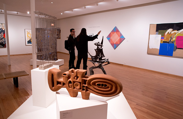 Artists-of-All-Stripes-Find-a-Home-at-the-Ukrainian-Institute-of-Modern-Art_wood_600c390