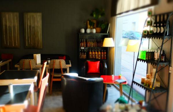 Hôtel Edmond Rostand à Marseille : un café et du vintage