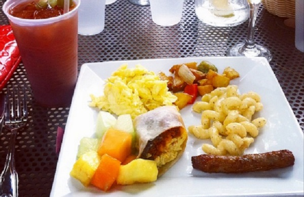 9 of the Best Bottomless Brunches in Chicago