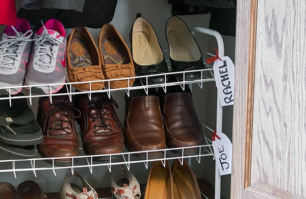 beat-back-your-shoe-pile_rack_600c390