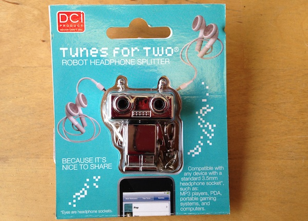shop-local-this-valentines-day-and-show-chicago-some-love_robot_600c430