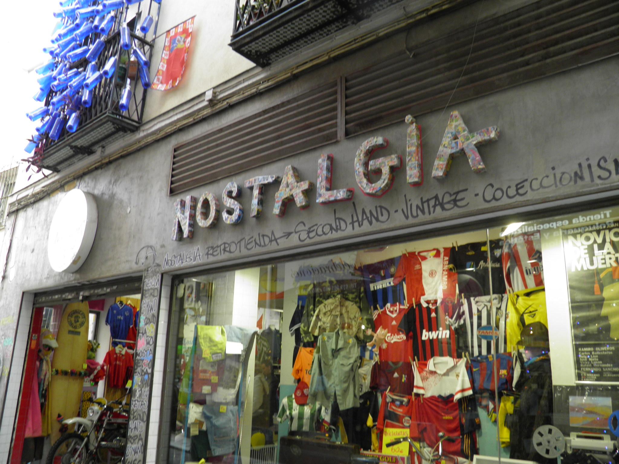 Nostalgia, la tienda retro de Sevilla con la historia de España