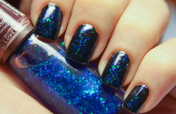Five Nail Art Design Ideas to Spice Up Basic Manicures_Disco