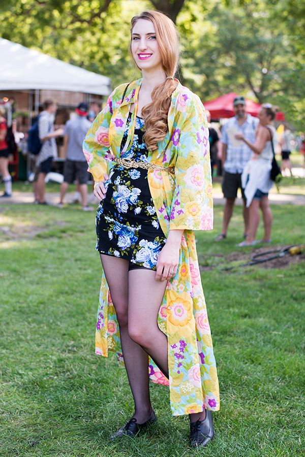 pitchfork-music-festivals-best-dressed-fans_yellow_600c900
