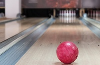 How to bowl using lane markings