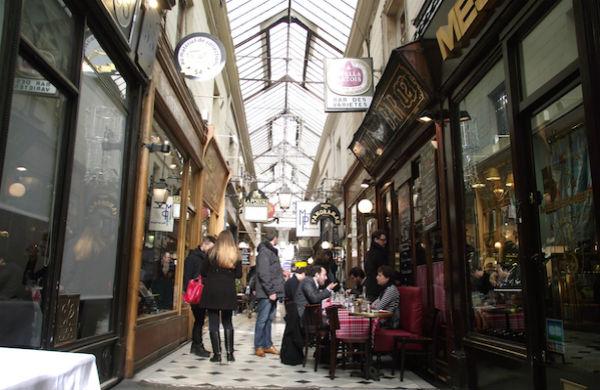 Passages couverts de Paris, une balade nostalgique...