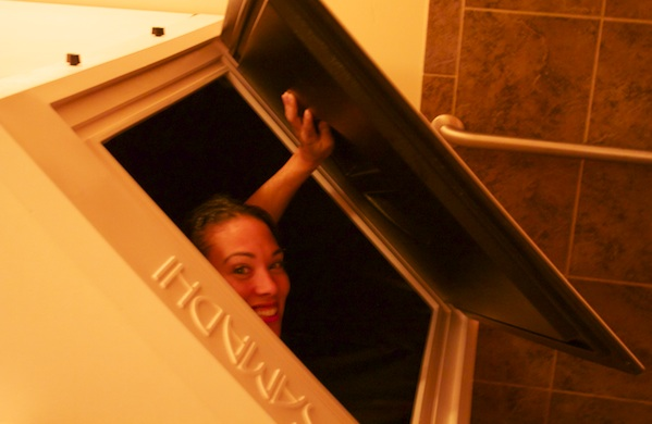 five-things-i-learned-from-spending-an-hour-in-a-float-tank_peek_600c390