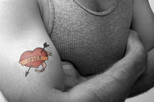 Tatuaggio bicipite