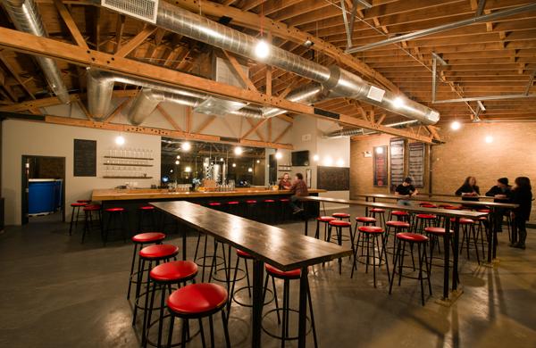 Chicago-Distilling_interior_600c390