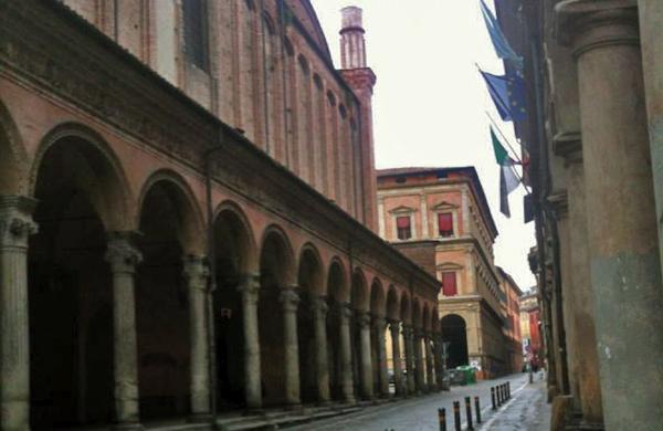 Mangiare a Bologna spendendo poco: idee per studenti e non solo