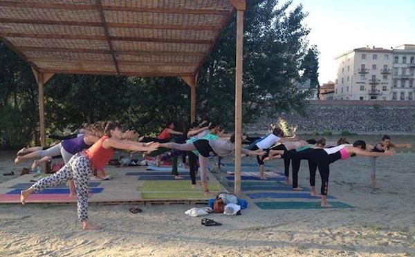 Yoga sull'arno