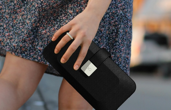 your-purse-could-be-charging-your-phone-right-now_600c390