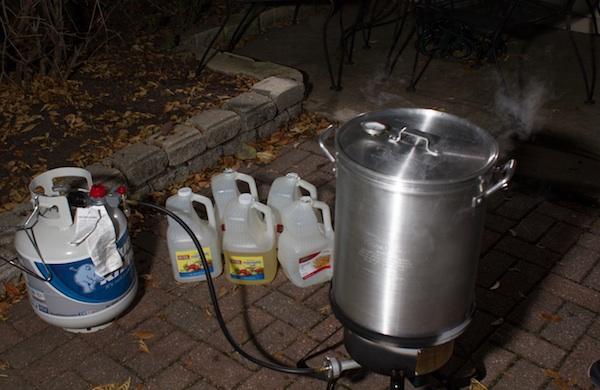 how-to-deep-fry-a-turkey_equipment_600c390