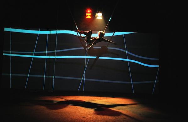 The-Five-Acts-We-Can't-Wait-to-See-at-the-Chicago-Contemporary-Circus-Festival-Muualla_600c390