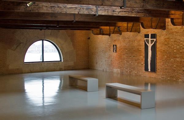Il museo di arte contemporanea punta della dogana di venezia for Tadao ando venezia