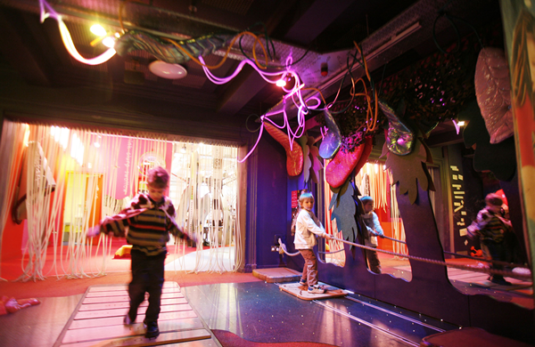 Children playing in the Discover Story Centre in London