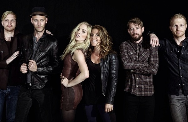 Delta Rae Made a Fan (and Collaborator) Out of Lindsey Buckingham