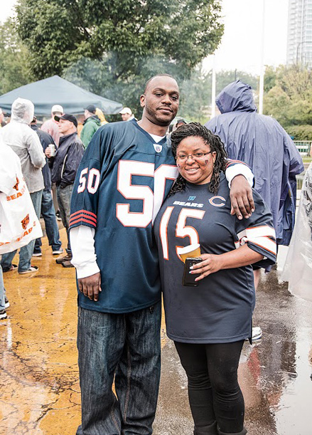 A-First-Timers-Guide-to-Chicago-Bears-Tailgating_couple_439c611