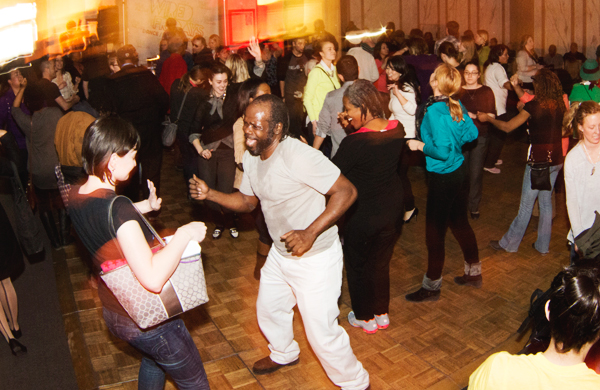 Get-Your-Rave-on-During-Lunch-at-the-Chicago-Cultural-Center-dancers_600c390