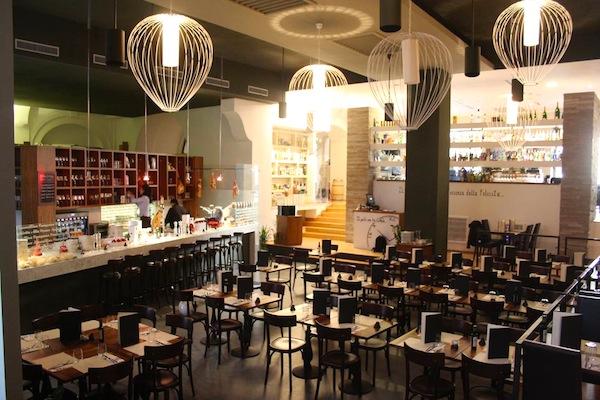 I migliori locali per l 39 aperitivo in centro a napoli for Nomi di locali famosi