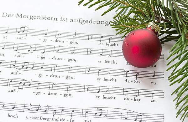 25 canzoni di Natale: la playlist perfetta per le feste