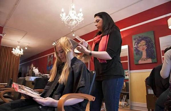 salon etiquette a stylist talks tipping
