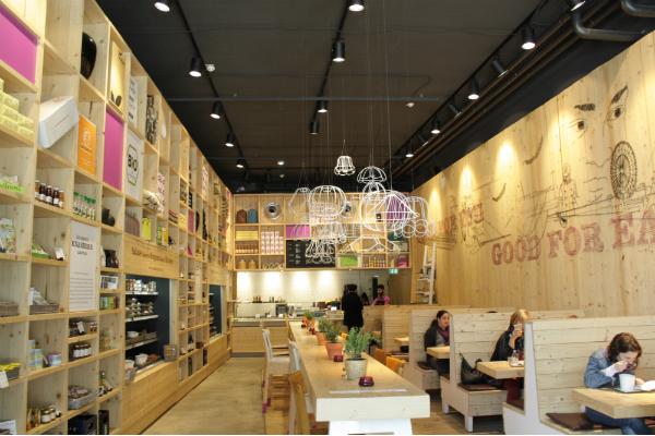 WakuWaku – Nachhaltiges Bio-Essen im preisgekrönten Design-Restaurant inmitten von Hamburg