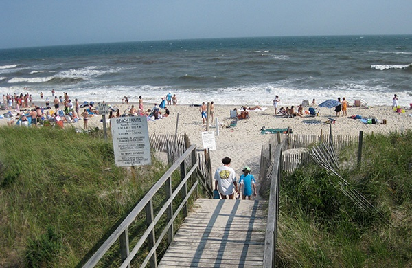 Why You Should Vacation in Long Island  beachcomber