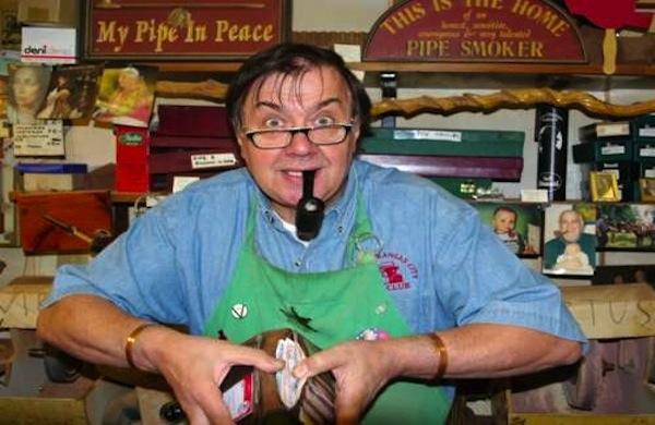 La bottega di pipe di Bonfiglioli a Bologna, la tradizione a portata di mano