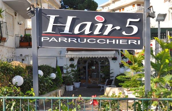 Parrucchiere a Napoli? Prova Hair 5!