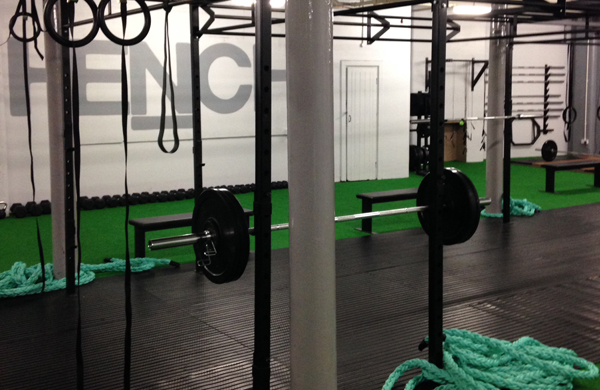 Ropes and weights in the Crossfit Hench gym