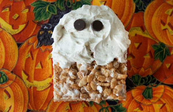 How-to-Make-Vegan-Friendly-Rice-Krispie-Treats-for-Halloween_ghost_600c390