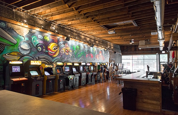A Definitive Guide for the Arcade Bar  row of arcade games