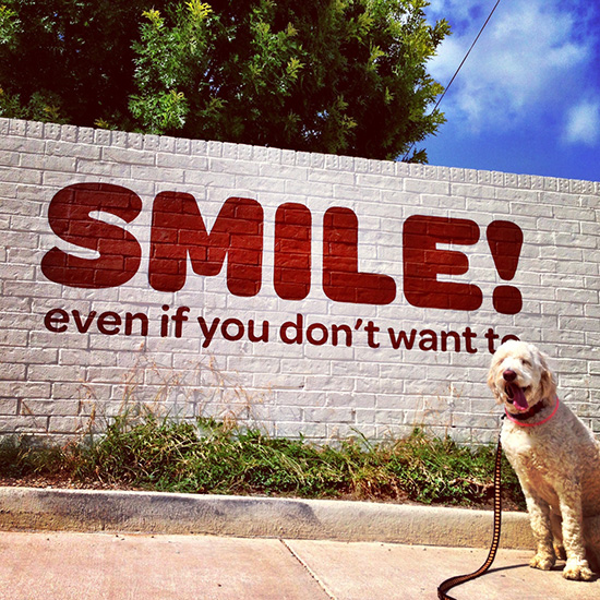 blogger_city_guide_austin_streetart_smile_550c550