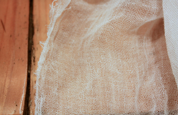 blogger_city_guide_seattle_cheesemaking_cheesecloth_600c390