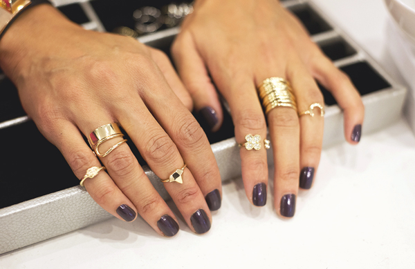the-best-and-worst-style-trends-of-2013_Knuckle-Rings_600c390