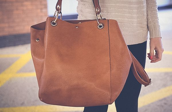 handbag-body-shape-thin-slouchy-600x390