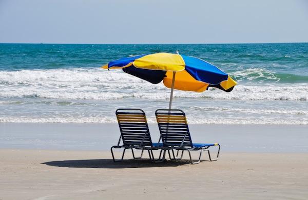 Galateo in spiaggia: 5 cose da non fare per non rovinarsi la giornata