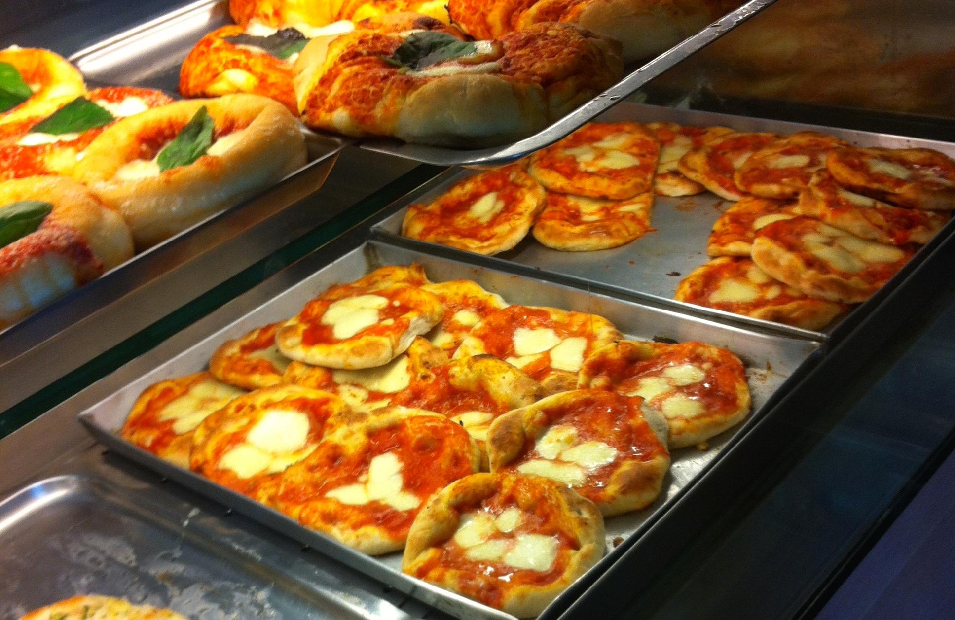 Moccia: la pizzetta più famosa e buona di Napoli