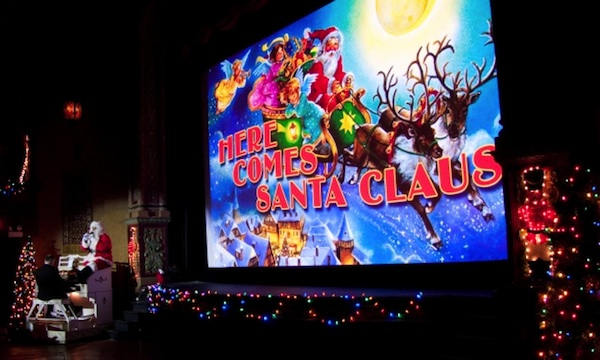 Christmas-in-Chicago-48-Hour-Holiday-Itinerary-Music-Box-Theatre_600c360