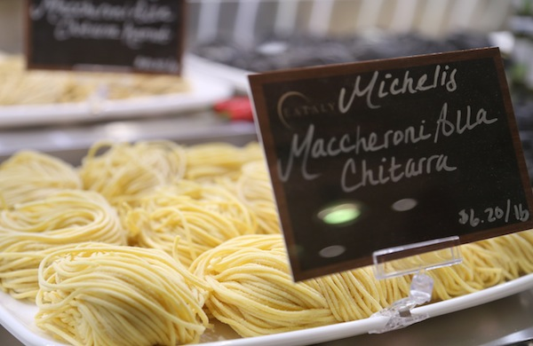 a-travel-guide-to-eataly_pasta_600c390