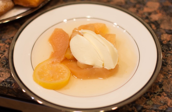 how-to-make-thanksgiving-dessert_quince_600c390